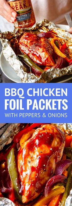 BBQ Chicken and Veggies in Foil Packets. These juicy and flavorful BBQ chicken foil packets with peppers and onions are the perfect all-in-one meal! Make them up early in the day for dinner or prep a whole bunch of them for your next cookout Foil Packet Dinners, Foil Pack Meals, Foil Dinners, Chicken In Foil, Chicken Foil Packets, Foil Wrapped Chicken, Hobo Packets, Grilling Recipes, Cooking Recipes