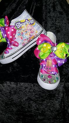 This listing is for a Limited Edition SHOPKINS Lippy Lipps Costume Hightop inspired shoe. Let your child's imagination run wild with this colorful fun shoe. PLEASE ALLOW 10-12 BUSINESS DAYS FOR PROCES