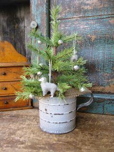 Little Lamb Tree -- so sweet! Primitive Christmas Decorating, Primitive Christmas Tree, Christmas Tree Wreath, Christmas Scenes, Christmas Decorations, Primitive Decor, Christmas Arrangements, Primitive Snowmen, Burlap Christmas
