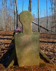 """A """"tent"""" grave from the were built this way so that livestock could graze around the graves (in the old days that's how the cemeteries kept grass trimmed) without sinking into soft soil on the top of the graves. Cemetery Headstones, Old Cemeteries, Cemetery Art, Graveyards, Unusual Headstones, La Danse Macabre, Famous Graves, After Life, Old Stone"""