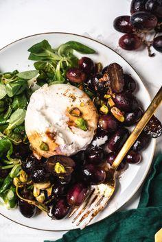 Burrata Salad, Healthy Meals, Healthy Recipes, Bugatti, Food Photography, Food Porn, Dinner, Breakfast, Ethnic Recipes