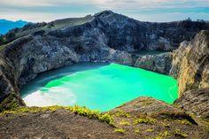 Lagos do vulcão Kelimutu (Indonésia)