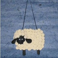 These Loopy Yarn Sheep will make a fun addition to the wide variety of sheep crafts that are perfect for Easter or Australia Day. Easy Crafts For Kids, Christmas Crafts For Kids, Crafts To Make, Arts And Crafts, Craft Kids, Kid Crafts, Handmade Christmas, Christmas Ornaments, Sheep Crafts