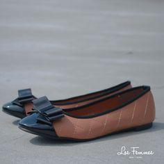 Avanel, flats shoes dengan desain berlapis dan aksen glossy, serta dipermanis dengan pita. Detail sepatu : • Warna Khaki • Ukuran 35-41 • Harga 229,900  Order via : Website : www.lesfemmes.co.id SMS / WA : 081284789737 Email : care@lesfemmes.co.id  Happy shopping!  #shopping #shoes #ladies #women #lesfemmesindonesia