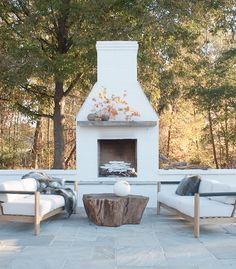31 Fabulous Outdoor Fireplace Ideas You Should Copy Now - Are you interested in an outdoor firepit? An outdoor fireplace can be an amazing attraction on your patio, or use anywhere in the yawn. Outside Fireplace, Backyard Fireplace, Backyard Patio, Outdoor Fireplaces, Fireplace Ideas, Fireplace Kitchen, Backyard Ideas, Backyard Landscaping, Outdoor Fireplace Brick