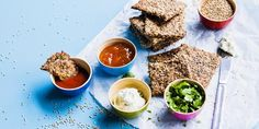 Siemennäkkäri Avocado Toast, Hummus, Bread, Baking, Breakfast, Ethnic Recipes, Food, Morning Coffee, Brot