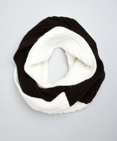525 America black and white two-tone knit infinity scarf