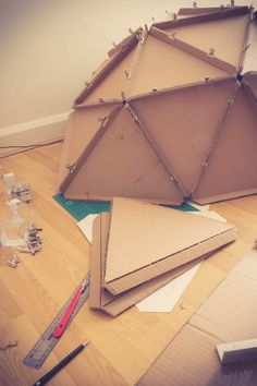 DIY Dome – Building a Geodesic Monodome Cardboard Forts, Cardboard Crafts Kids, Cardboard Box Houses, Cardboard Furniture, Cardboard Tubes, Bored Jar, Snow Fun, Dome House, Geodesic Dome