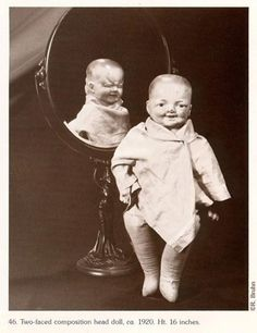 Gettin' our Creepy, Freaky on Vintage Style today! Freaky two faced doll. Never too creepy for Roller Skates! Vintage Bizarre, Creepy Vintage, Images Terrifiantes, Art Zen, Regard Animal, Helloween Party, Scary Dolls, Creepy Pictures, Scary Photos