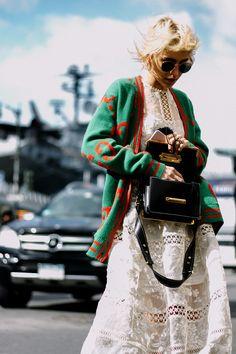 Suéter de Gucci | Galería de fotos 70 de 212 | VOGUE