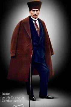 Atatürk'ün Bastonlu (Bastonu ile Çekilmiş) Bir Resmi