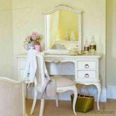 Makyaj Masası ve Tuvalet Masası Modelleri