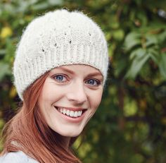 Knit Now Magazine, Issue 42 Ravelry: Snowflake Hat pattern by Sylvi Designs Hand Knitting, Knitting Patterns, Mittens, Ravelry, Snowflakes, Knitted Hats, Doll Clothes, Winter Vacations, Magazine