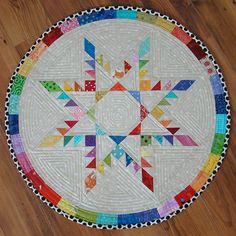 Feathered Star Quilt - oh my. This is one I want to try!!