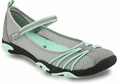 This water-ready style has drainage ports throughout the sole to allow water to easily escape. Land-ready as well, the velcro strap across the vamp will keep your foot in place throughout all of your adventures.