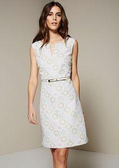 dd78aa0d6877de COMMA Elegantes Abendkleid mit aufregendem Jacquardmuster Glamouröse  Abendkleider