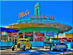 Vintage Cars Mel's drive in / diner , universal studios Florida - Drive In, Food Drive, Vintage Diner, Retro Diner, Vintage Cars, Diner Logo, Fifties Diner, Vintage Food, Vintage Signs