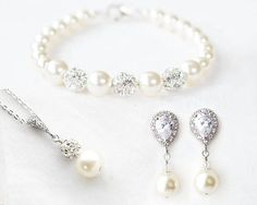 Jewelry & Watches Prom.wedding Bracelet With Pearls And Stones Gold Color Lovely Luster