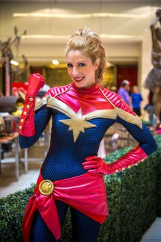 Captain marvel mohawk Dragon Con Day No Sleep, Sore Feet, and Still Going With Great Costumes Dc Cosplay, Marvel Cosplay, Cosplay Outfits, Best Cosplay, Cosplay Girls, Cosplay Costumes, Miku Cosplay, Costumes Comic Con, Costumes Avengers