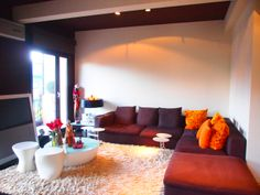 Salón comedor de 39 m2, con 4 ventanas. Duplex Venta, Ondarreta, Donostia. Inmobiliaria Araxes - 943 211 022 - 696 497 566. Ref: D31608 www.araxes.es social@araxes.es