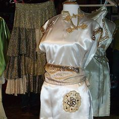 ABBA Plaza - galleries-abba costumes - 1977 tour Abba Costumes, Abba Concert, Abba Lyrics, Bolero Jacket, Jumping Gif, The Incredibles, Knitting Ideas, Galleries