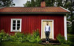 Joel Lindefors lämnade storstadens brus i ett halvår för stillheten i torpet i Björnhult.