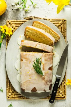 Vegan lemon drizzle cake Vegan Cake vegan cake meaning Vegan Vegetarian, Vegetarian Recipes, Cooking Recipes, Vegan Lemon Drizzle Cake, Vegan Lemon Desserts, Vegan Gluten Free Desserts, Scones Vegan, Lazy Cat Kitchen, Cake Vegan