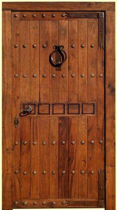 Forja noble herrajes de forja para puertas rusticas y for Puertas grandes antiguas
