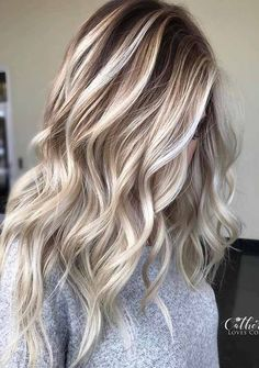 Winter hair color for blondes that you can not imagine – Hair -… – Hair Makeup Blond Ombre, Honey Blonde Hair, Ombre Hair Color, Hair Color Balayage, Blonde Color, Cool Hair Color, Purple Hair, Dark Ombre, Haircolor
