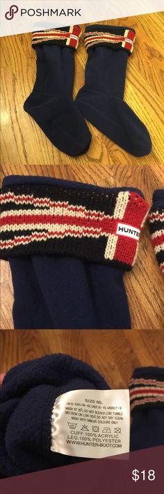 HUNTER BOOT SOCKS UNION JACK PRINT M/L HUNTER BOOT SOCKS UNION JACK PRINT size medium/large. Fits women's size 8-10 Hunter Boots Accessories Hosiery & Socks