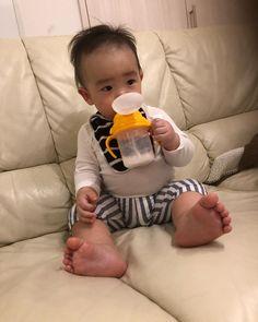 I recommend a straw mug:-)this is from mikihouse. ストローマグはオススメじゃね。これはミキハウスのじゃけど。 #baby #12ヶ月baby #1歳 #curious #biligual #bilingualkids #bilingualbaby #バイリンガルbaby #オキタノ湊士 #広島弁 #赤ちゃん #Japanesebaby #1歳2ヶ月 #mikihouse #ミキハウス Children, Baby, Young Children, Boys, Kids, Baby Humor, Infant, Babies, Child