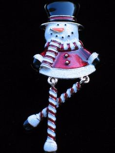 """NWT HAPPY FUN CANDY CANE FROSTY THE SNOWMAN PIN BROOCH JEWELRY DANGLING LEGS 3"""" #Unbranded"""