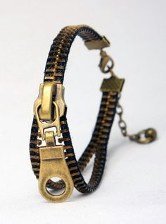 Love this bracelet. Could it be a DIY? let's try