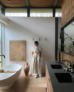 Bathroom Inspiration, Interior Inspiration, Interior Ideas, Modern Farmhouse Bathroom, Eclectic Bathroom, Bathroom Interior Design, Interior Livingroom, Design Bedroom, Bedroom Decor