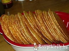 Sajtos tallér Hungarian Desserts, Hungarian Recipes, Cookie Recipes, Snack Recipes, Healthy Recipes, Snacks, Torte Cake, Food For Thought, Bacon