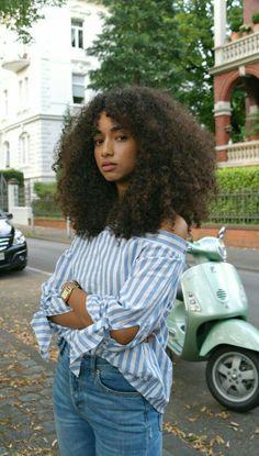 ☾𝓜𝓸𝓻𝓮 @𝓼𝓮𝓶𝓲𝓻𝓪𝔀𝓻𝓻☽ Pelo Natural, Natural Hair Care, Natural Hair Styles, Natural Beauty, Natural Hair Bangs, Curly Bangs, Natural Skin, Natural Shampoo, Natural Women