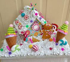 Wonderful Gingerbread Christmas Home Decorations Ideas 47 Gingerbread House Designs, Gingerbread House Parties, Gingerbread Decorations, Christmas Gingerbread House, Gingerbread Houses, Candy Land Christmas, Pink Christmas, Christmas Time, Xmas