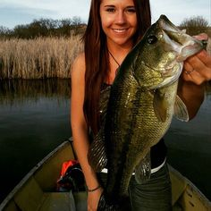 A real beauty from _____________________________________ Bass Fishing Shirts, Usa Fishing, Fishing Shop, Fishing Girls, Gone Fishing, Kayak Fishing, Fishing Stuff, Fish Information, Fishing Pictures