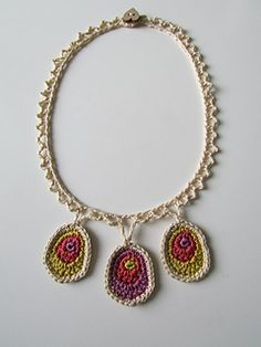 Ever Increasing Circles necklace  Ravelry (free)