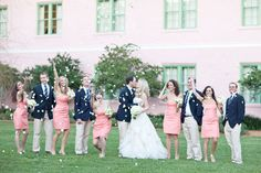 love this preppy wedding color combo of peach and navy