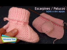 "Como Tejer PATUCOS / ESCARPINES de Bebe tejido en Dos Agujas. Modelo ""Rosita"" № 989 - YouTube Knitting Needles, Baby Knitting, Knit Shoes, Baby Booties, Fingerless Gloves, Arm Warmers, Hosiery, Knitting Patterns, Knit Crochet"