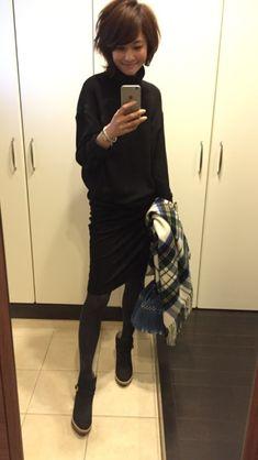 昨日の私と今日の私 の画像|五明祐子オフィシャルブログ 『オキラクDays』 Powered by アメブロ Cute Winter Outfits, Simple Outfits, Spring Outfits, Messy Short Hair, Work Chic, Spring Looks, Japanese Fashion, Autumn Winter Fashion, Short Hair Styles