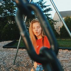 on – girl photoshoot poses