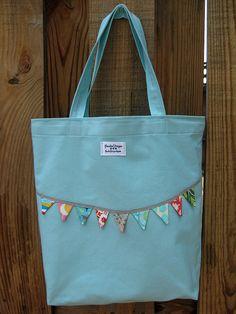 adorable bag ;)