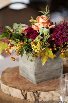 centerpiece in a wooden box :: Twigs and Posies :: Photo by Elizabeth Ann Photography