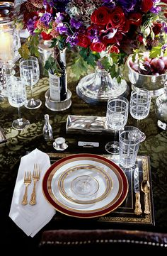 Entertain in style: An elegant, lavish and festive dinner setting by Ralph Lauren Home