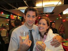 The Office: 25 Behind-The-Scenes Photos That Completely Change The Show Best Of The Office, The Office Jim, The Office Show, Office Cast, Jim Pam, Office Jokes, Office Pictures, John Krasinski, Michael Scott