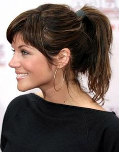 Tiffani Thiessen... I need my hair to look like this when I put it in a pony tail...