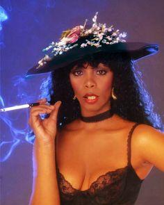 "Donna Summer ""Bad Girls"" Photo Shoot, Photo by Harry Langdon. Girl Photo Shoots, Girl Photos, Dance Music, Dona Summer, Musica Disco, Disco 70s, Vintage Black Glamour, Music Pics, Portraits"