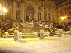 Fontana di Trevi, Snow 2012, Rome, Italy.  Panoramio Photos by Pietro Bergamaschini